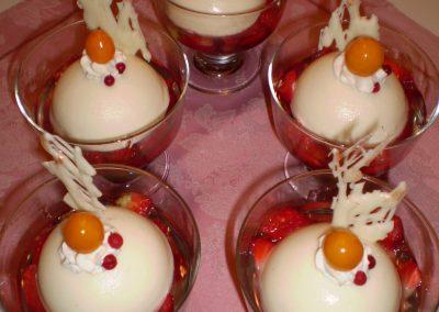 Ovocná panna cotta poháre