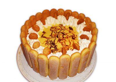 Pomarančový vaječný likér torta