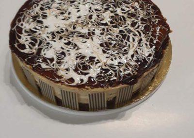 Karamelové latte torta