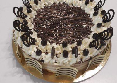 Marcipánový rum krokant torta